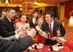 <b>婚庆婚宴桌上新娘应该注意哪些礼仪</b>